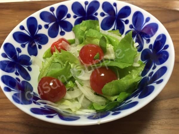 サニーレタスと玉ねぎのサラダ完成写真